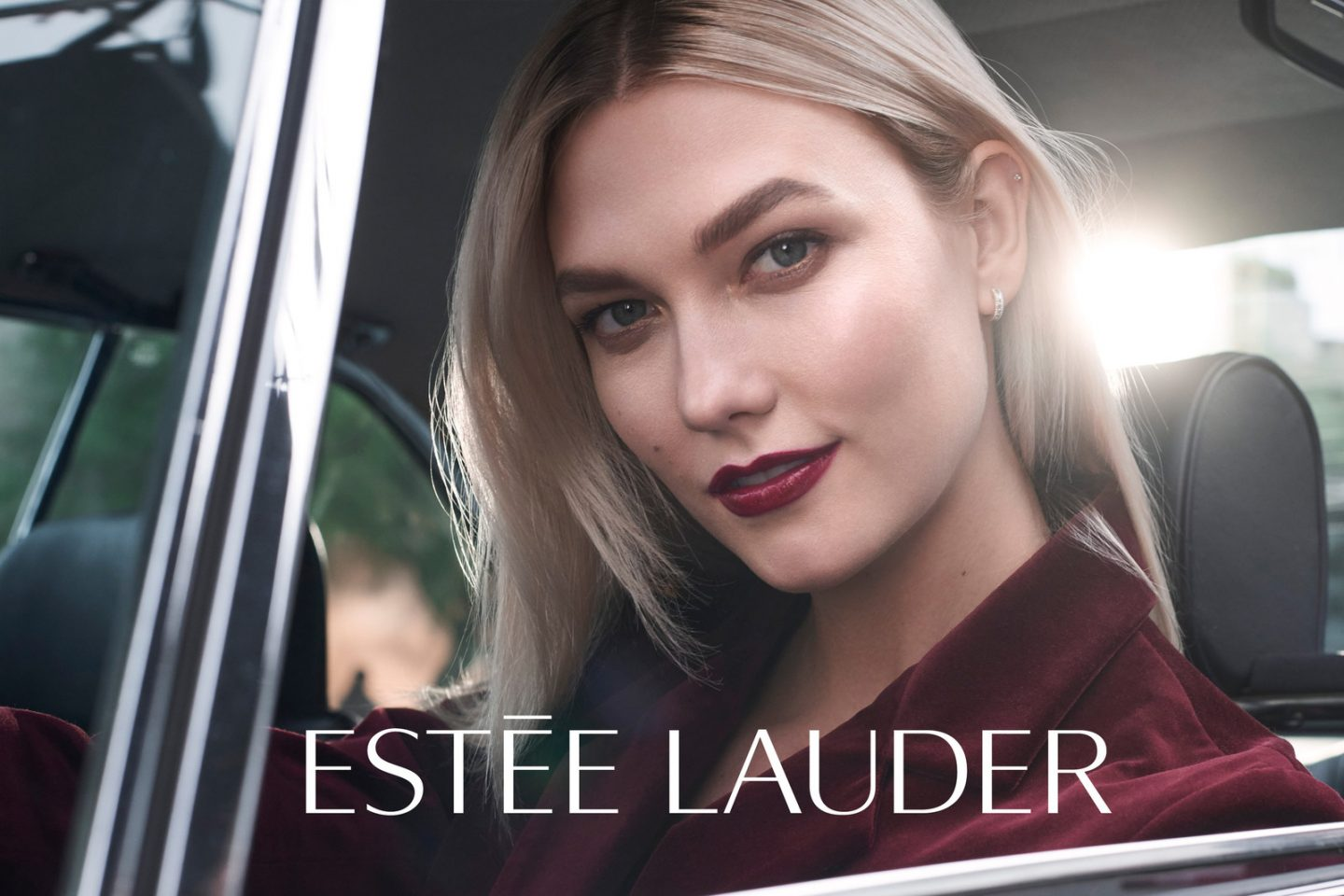 Estée Lauder Signs Model Karlie Kloss